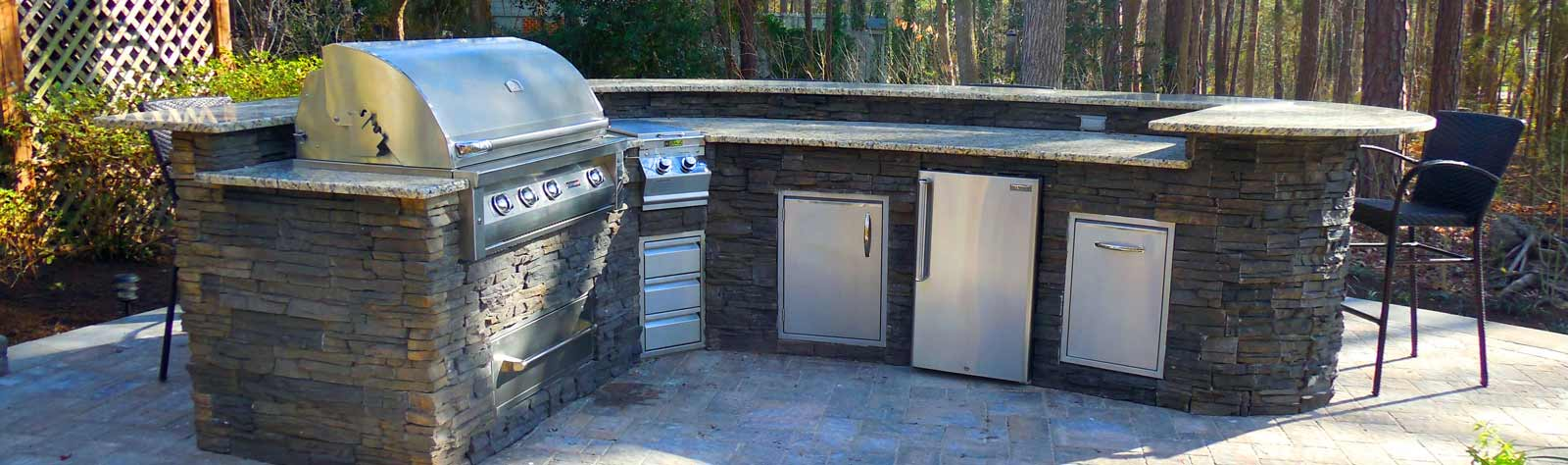 Why Go Anywhere Else When Planning Your Outdoor Kitchen